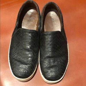Women's faux black croc sneakers